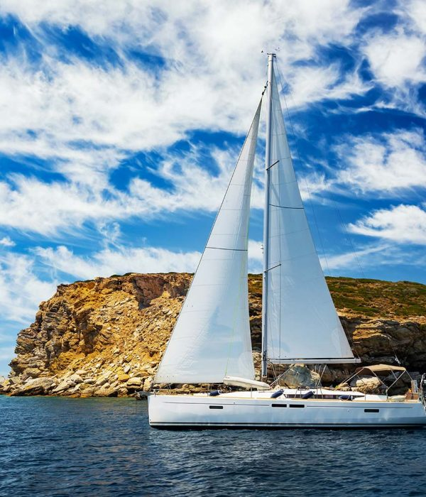 lonely-yacht-sailing-on-silent-sea-turkey-small.jpg
